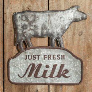 Farm-fresh-milk-sign